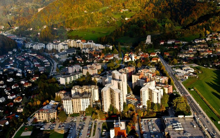 User journeys and insights from EERAdata implementers - The Municipality of Velenje